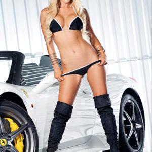 Vanquish Automotive Us – Issue 2 – Dennii
